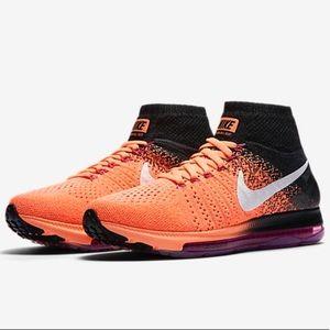 NWT $200 Nike sneakers Sz 8